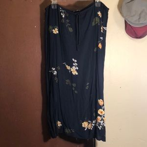 American Eagle maxi skirt with from tie-SZ Medium